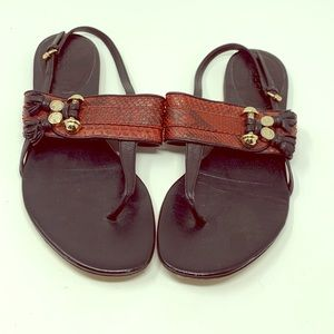 Gucci Thong Sandals!